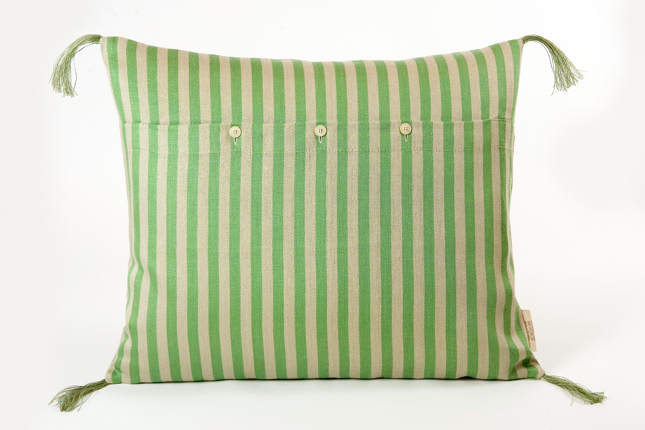 Bolster linnekudde smalrand grön Klässbols Linneväveri design Lena Rahoult bak