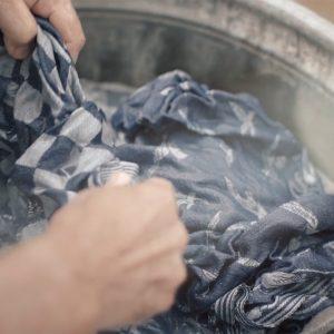 Se filmen. Tvätt och skötselråd Klässbols Linneväveri