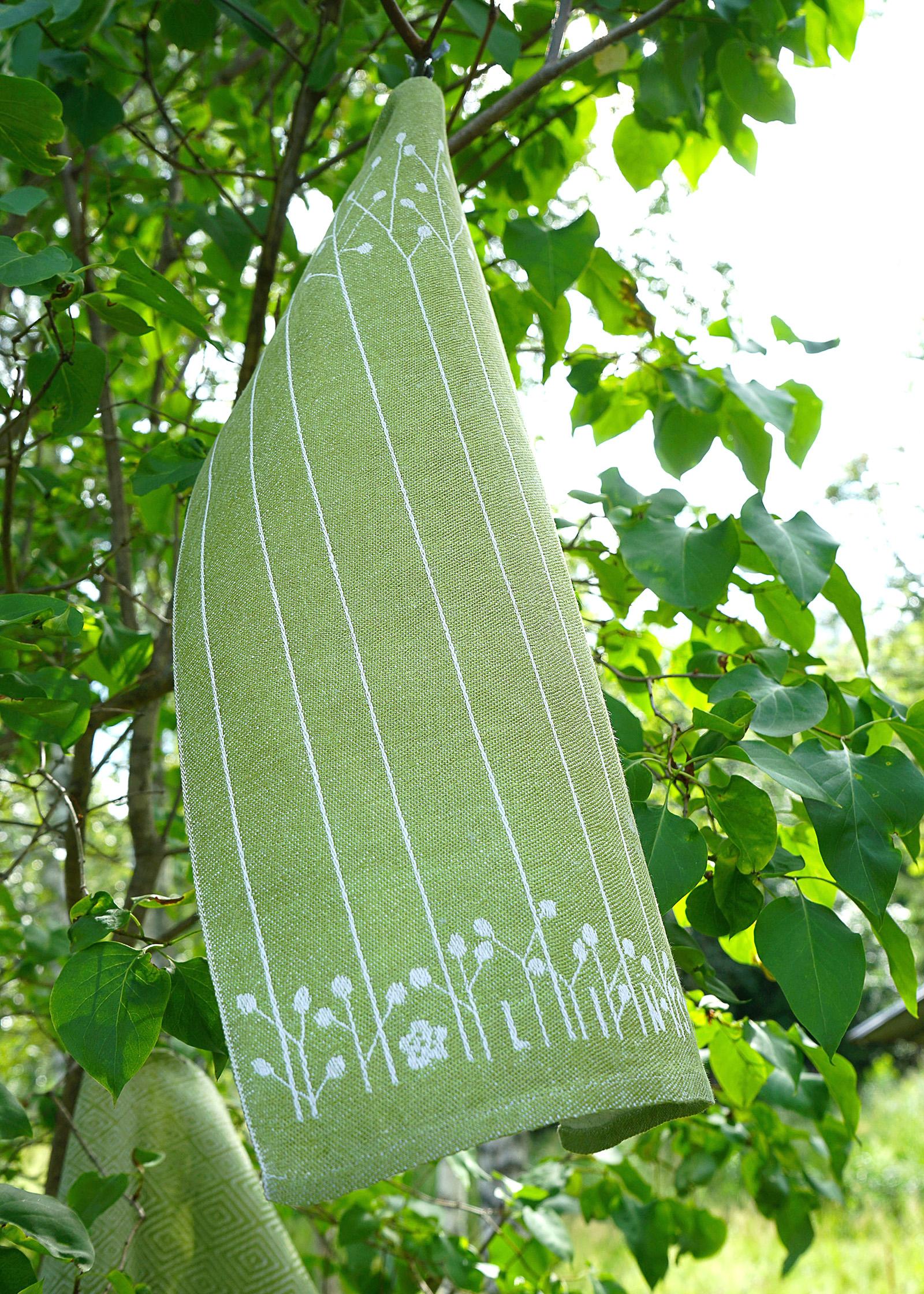 Linsval linnehandduk Klässbols Linneväveri linblomsgrön i träd