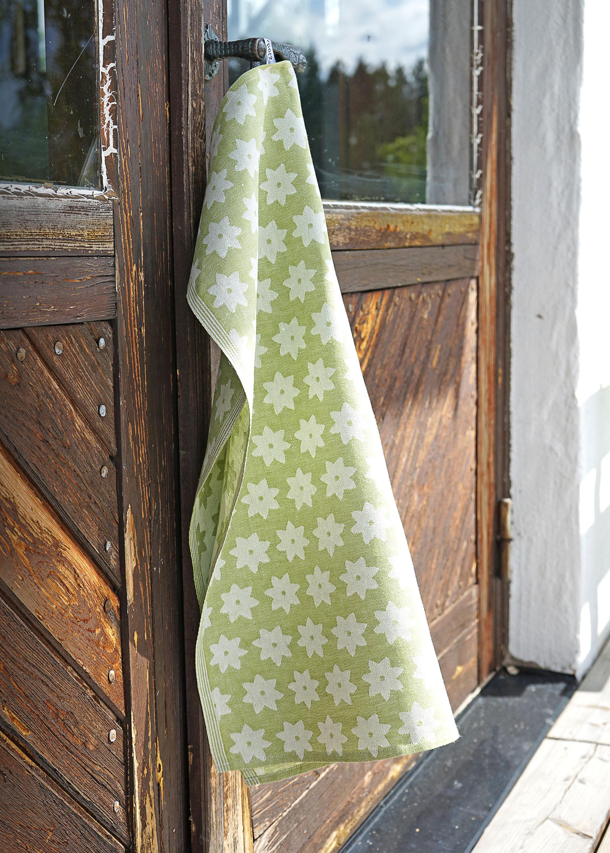 Linblomsgrön handduk Klässbols. Design Helena Bengtsson