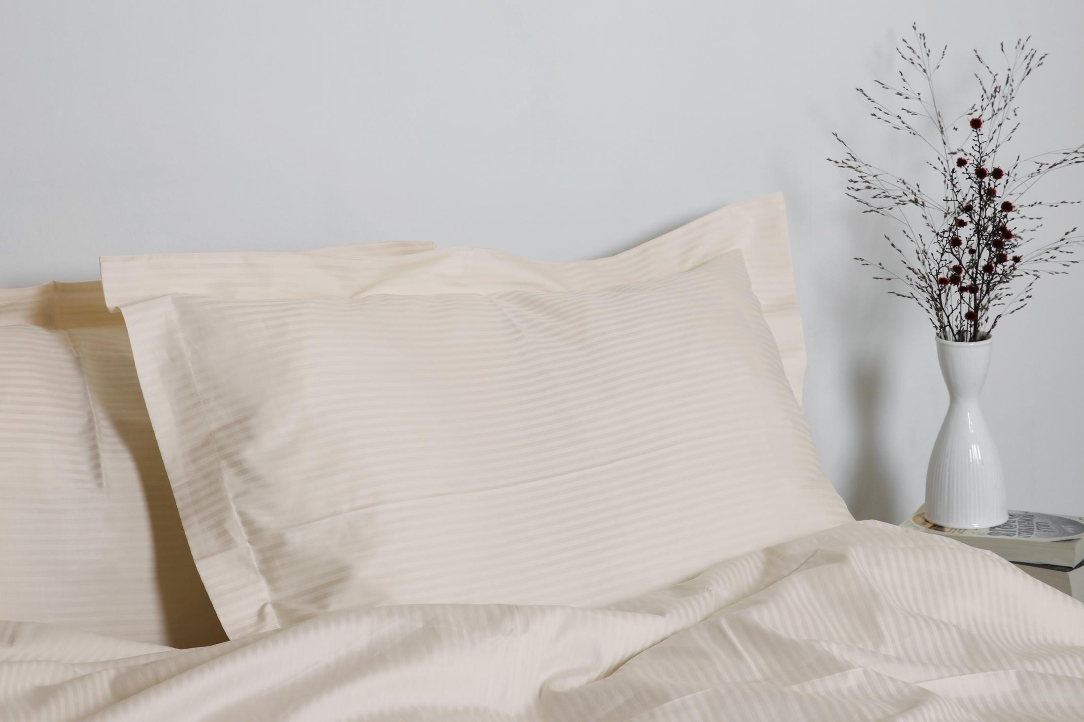 Gastaldi Ara Italienskt sänglinne, Klässbols Linneväveri kuddvar creme