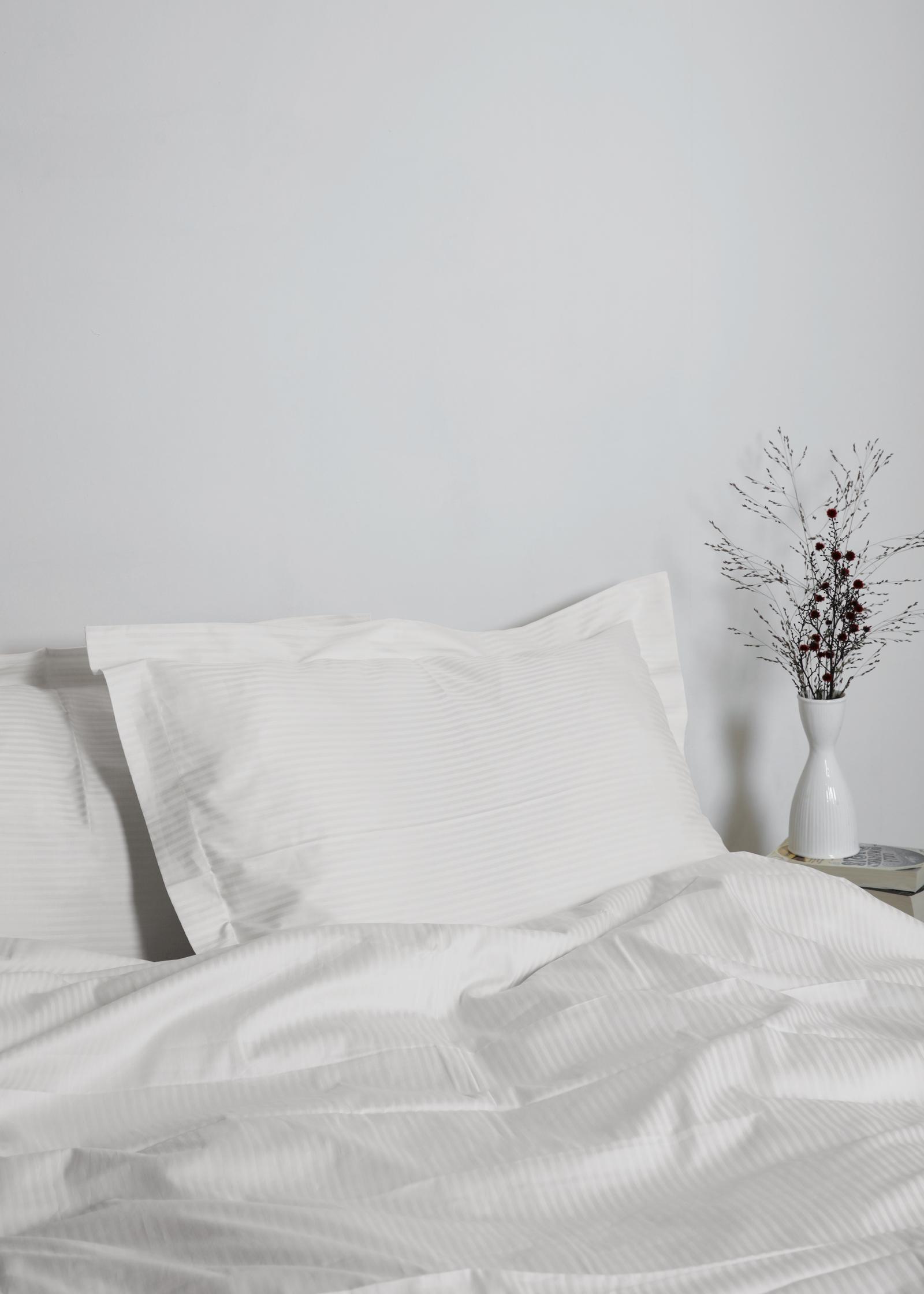 Gastaldi Ara Italienskt sänglinne, Klässbols Linneväveri kuddvar vit