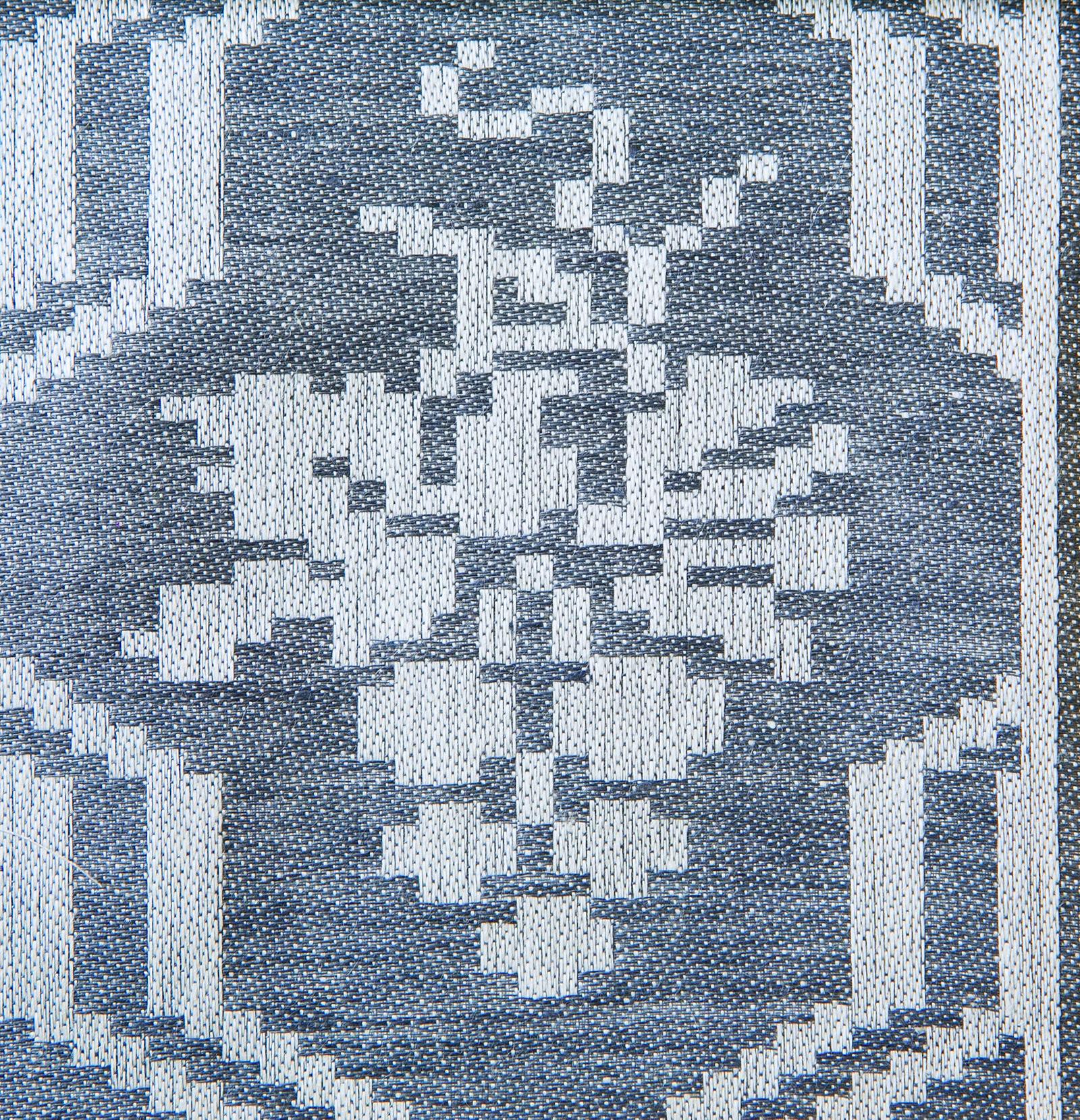 Druvklasen linne duk och servettmöster Klässbols Linneväveri formgiven av Hjalmar Johansson jeansblå