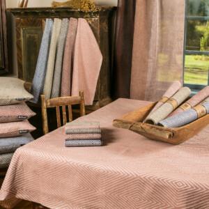 Gåsöga linprodukter duk löpare servetter kuddar handdukar trecolore gardin nya färger Klässbols Linneväveri Margot Barolo Ulrika Mårtensson