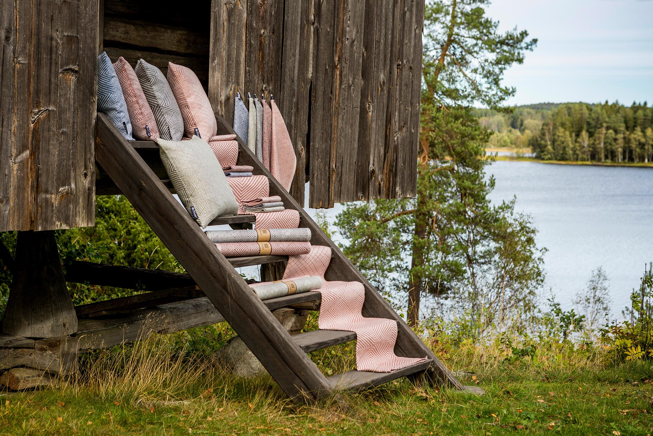 Gåsöga linneprodukter duk löpare servetter kuddar handdukar nya färger Klässbols Linneväveri Margot Barolo Ulrika Mårtensson Stavnäs hembygdsgård