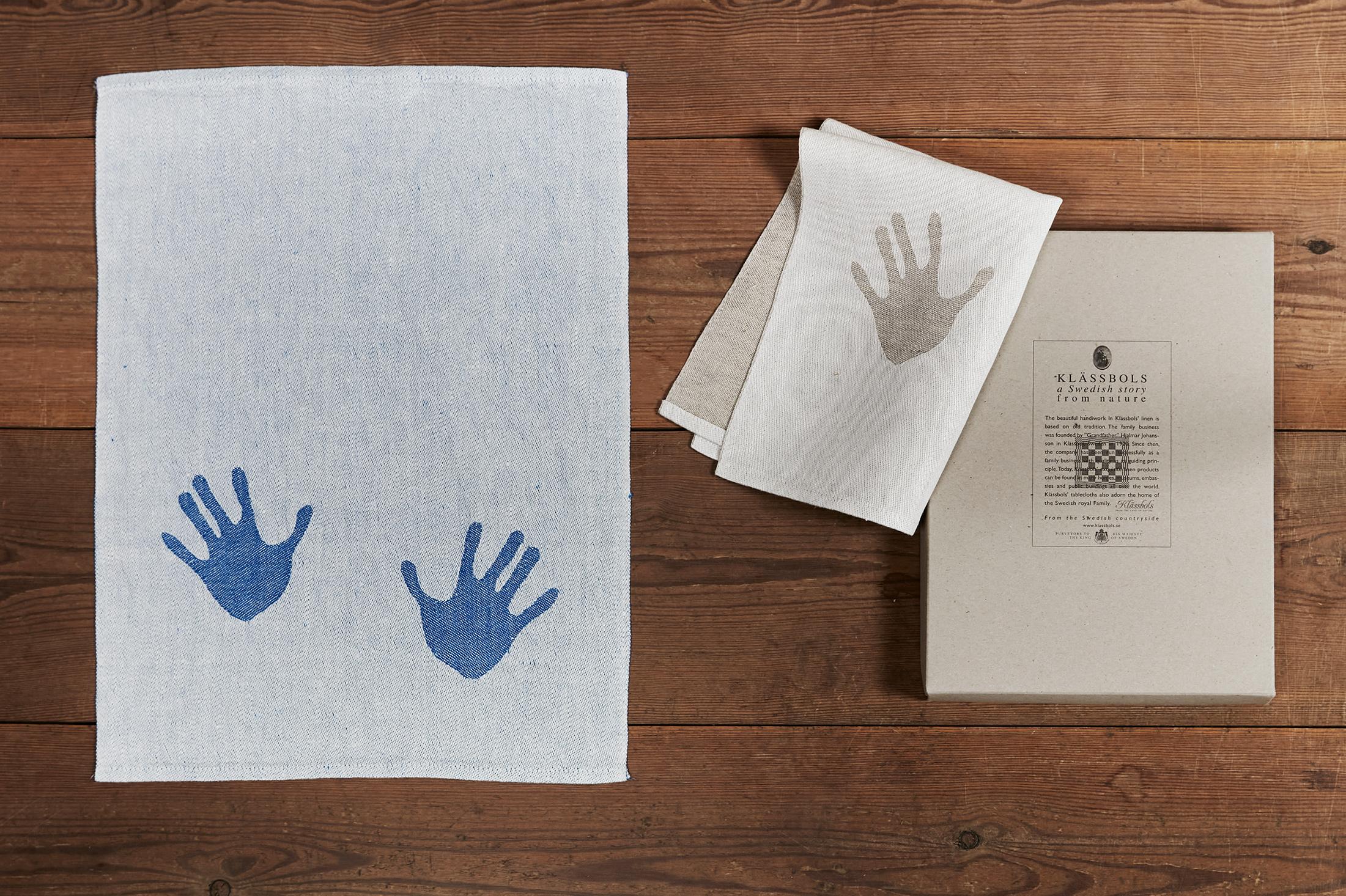 Klässbols Blå och Oblekt handduk Handduken som present