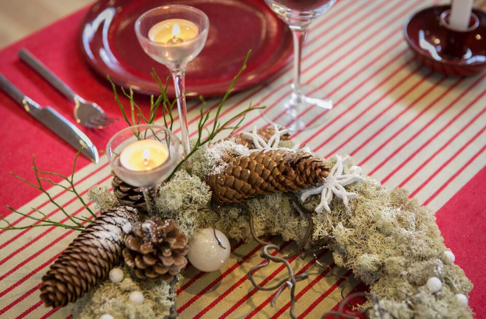 Klässbols Linnevaveri Gillet duk röd jul christmas