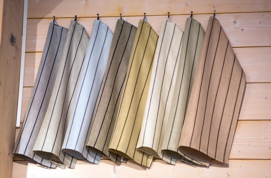 Klässbols Linneväveri en ny färgvärld Gärdet handdukar