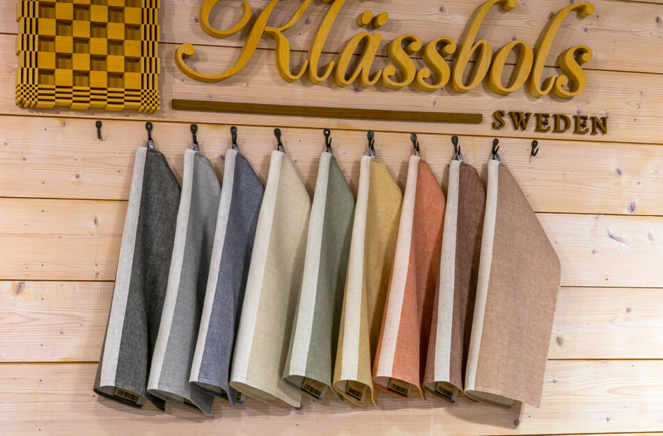Klässbols Linneväveri en ny färgvärld Linjal handdukar
