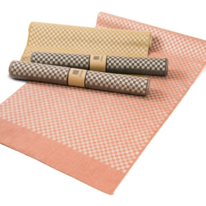 Line bordslöpare linne Klässbols design Hanne Vedel färg sandvarp samlingsbild