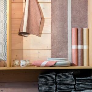 Linjal bordslöpare och handduk. Design Urban Johansson