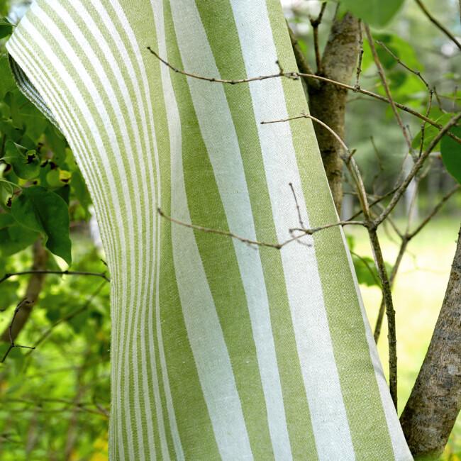 Randig linblomsgrön handduk klässbols