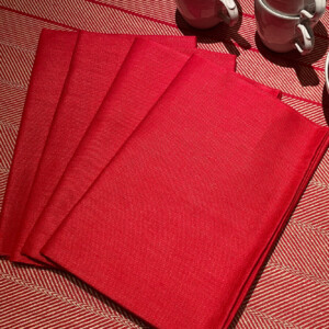 Rasso linneservett på en Gärdet duk röd