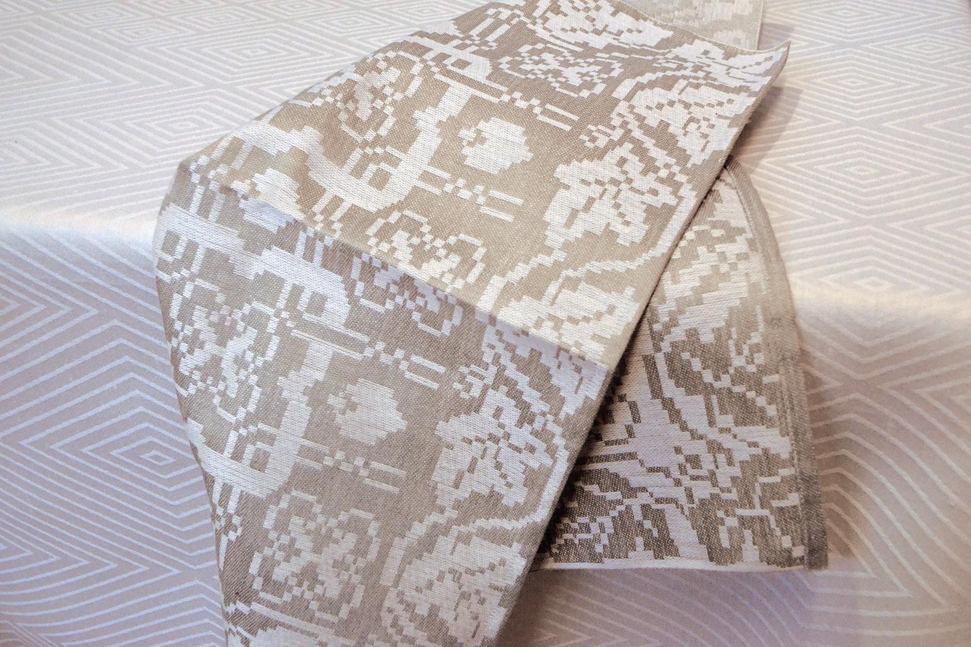 Vinrankan servett linne Klässbols Linnaväveri Klässbols studio antikgrön